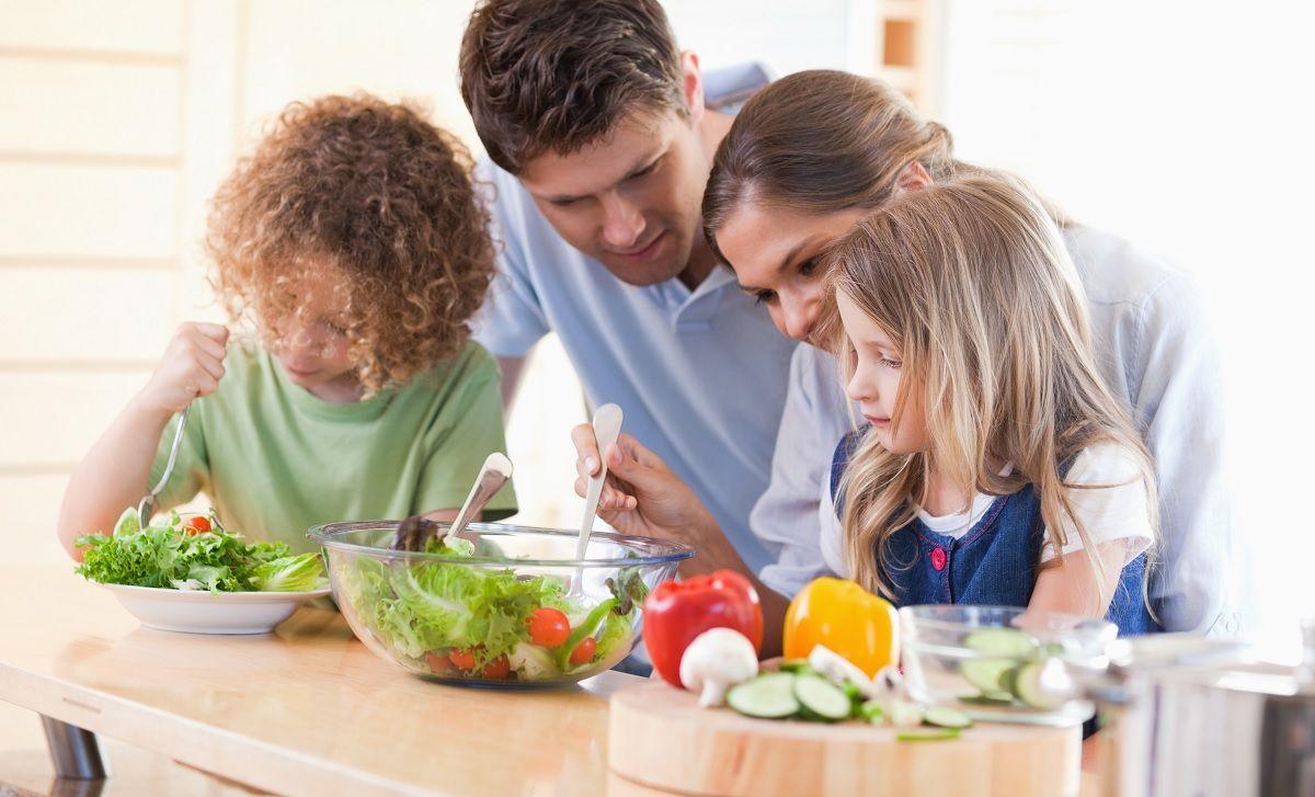 ¿Cómo hacer que tus hijos coman verduras?