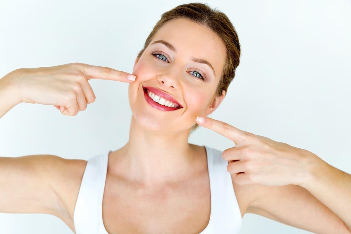 Blanquea tus dientes con estos 3 remedios caseros