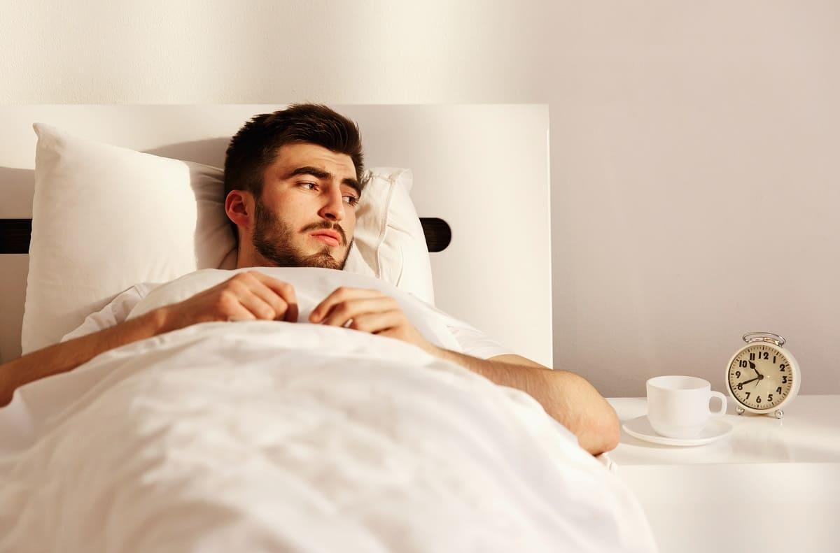 Dormir menos de 6 horas aumenta el riesgo cardiovascular: estudio