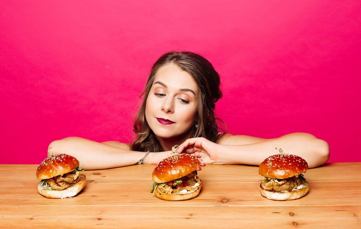 10 tips para evitar comer en exceso